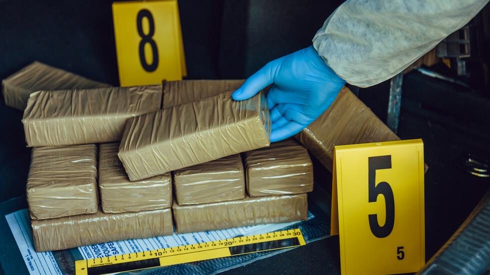 В Гърция заловиха над 14 кг. кокаин в български камион