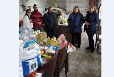 Ученици и учители от НХГ – Благоевград с благотворителна кампания за подпомагане на семейства в нужда