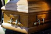 Кошмар на погребение в Пернишко! Объркаха трупа на починал от COVID-19, семейството в шок