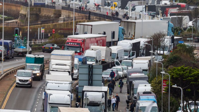 Блокираните български тирове напуснаха Великобритания