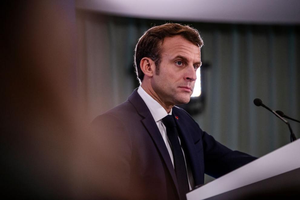 Макрон е в президентската резиденция Фор дьо Брегансон заедно със съпругата си