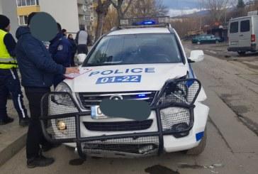 Полицейски патрул катастрофира след гонка в Благоевград