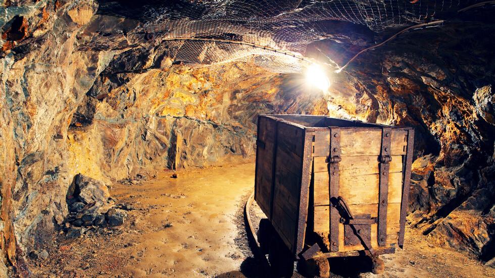 Извадиха телата на 9 миньори от затрупаната китайска златна мина