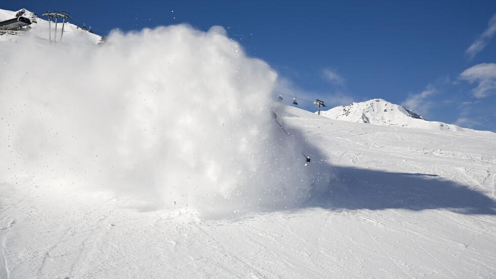 Няколко лавини паднаха в Пирин днес