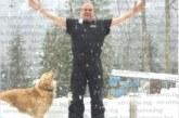 По тениска под снега на Бодрост топфаянсаджията на Благоевград  Антон Ваклински посрещна именния си ден