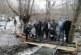 Туристи възстановиха мост над река, отнесен от пороите, купиха греди и ги пренесоха на ръце