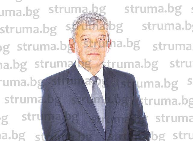 Скок от 50% до 100% в цените на такси за  административни услуги в община Благоевград иска  кметът инж. Р. Томов от ОбС
