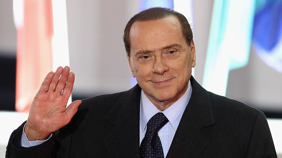 Инцидент вкара Берлускони отново в болница