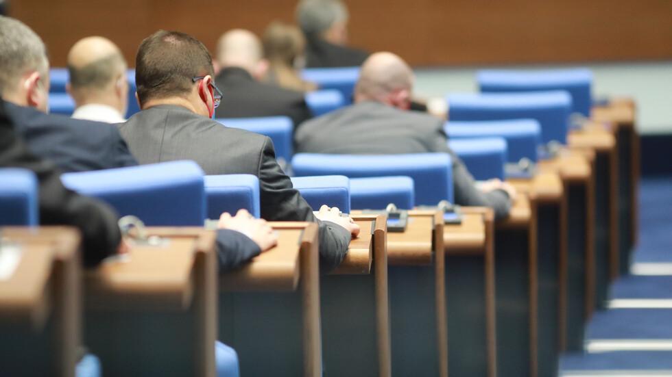 Скандал в парламента заради инцидента със загиналото от токов удар дете