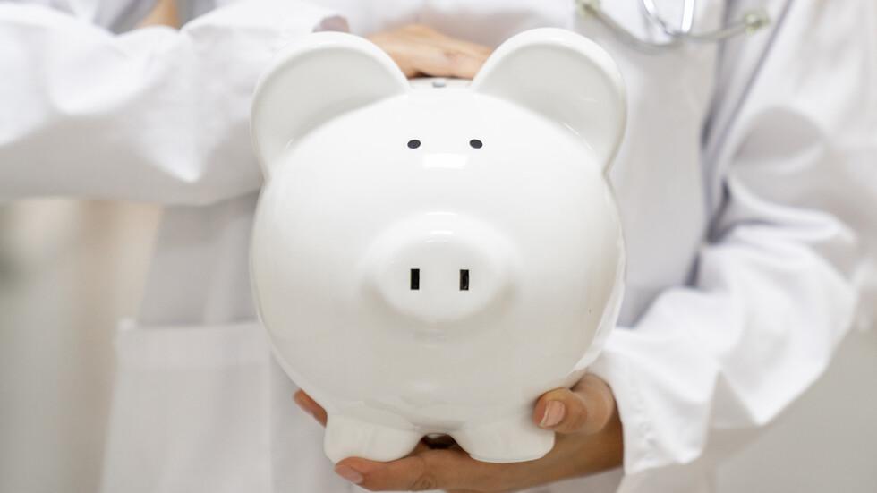 Пенсионерка завеща над 25 млн. евро на болници
