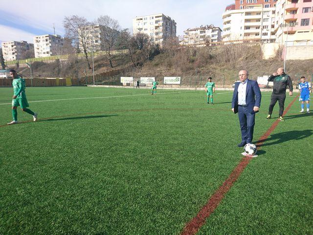 Кметът Атанас Стоянов даде старт на турнира по футбол в Сандански
