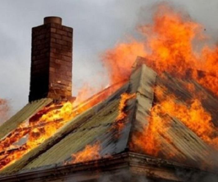ОГНЕН АД! Къща пламна в Дупница, собственикът с изгаряния и опасност за живота