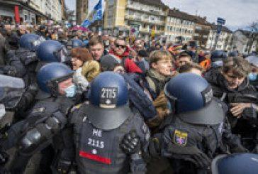 Сблъсъци с полицията по време на  протест в Германия