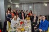 На трапеза с баница, погача, торта… бойният екип на вътрешно отделение на МБАЛ – Благоевград празнува 8 март