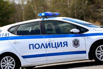 Двама мъже и една жена задържани в Дупница заради наркотици