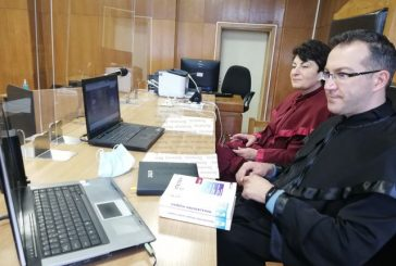 Абитуриенти от Кюстендил попиваха знания от съдебните зали чрез онлайн връзка с магистрати