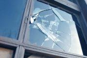 Кюстендилец разби жилището на приятелката си