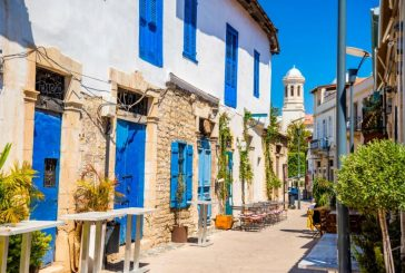 Кипър ще започне да приема първите пътници на круизни кораби от юни