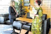 Директорът на Радио Благоевград Е. Каменичка излиза в пенсия, Р. Далева временно пое медията
