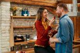 Женски хитрини: 10 начина да го накарате да мисли за вас постоянно