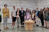 Детският парламент в Благоевград празнува юбилей, Д. Борумов сдаде председателския пост на деветокласника в ПМГ М. Станоев