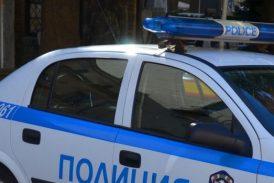 Нападнаха и ограбиха млада жена в Кочериново