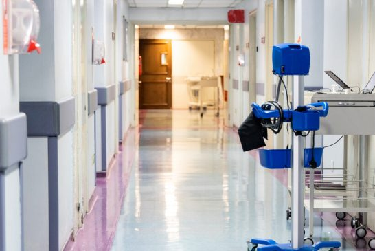 Малчугани с бактериална пневмония препълниха детското отделение на общинската болница в Дупница, половината от тях от детска градина в Бобов дол