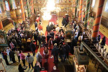 Стотици миряни в Банско тържествено посрещнаха копие на Чудотворната икона на Пресвета Богородица Акатистна
