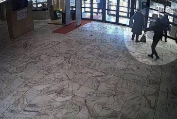 Съдят крадец, задигнал кутия с дарения от партера на общината