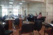 Без спорове и без дебати за час и половина общинските съветници в Разлог приеха всички точки от дневния ред