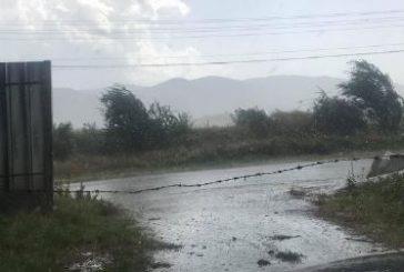 Проливен дъжд с градушка се изсипа над Кюстендил