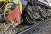 След инцидента край Мурсалево! Извозват с автобуси пътниците по линия София-Кулата заради дерайлиралия влак